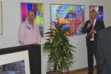 Kunstausstellung Platux und Bürgermeister Nebelo