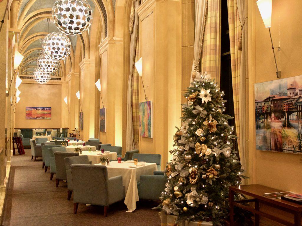 Emirates Palace Abu Dhabi Solo-Artist-Exhibition PLATUX 2016-2017 Christmas